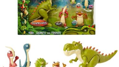 Gigantosaurus and friends figure playset